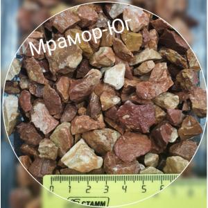 Розовая мраморная крошка фракция 10-20 мм