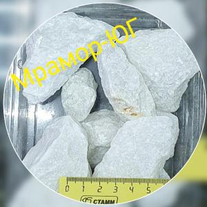 Мраморный щебень фракция 20-40 мм блест.