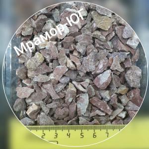 Розовая мраморная крошка фракция 5-10 мм